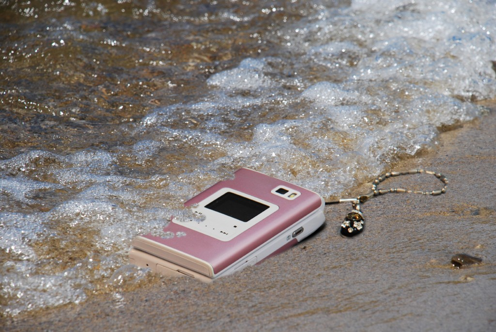 cell-phone-water