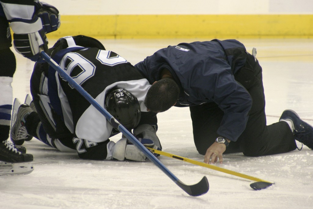 injured hockey player