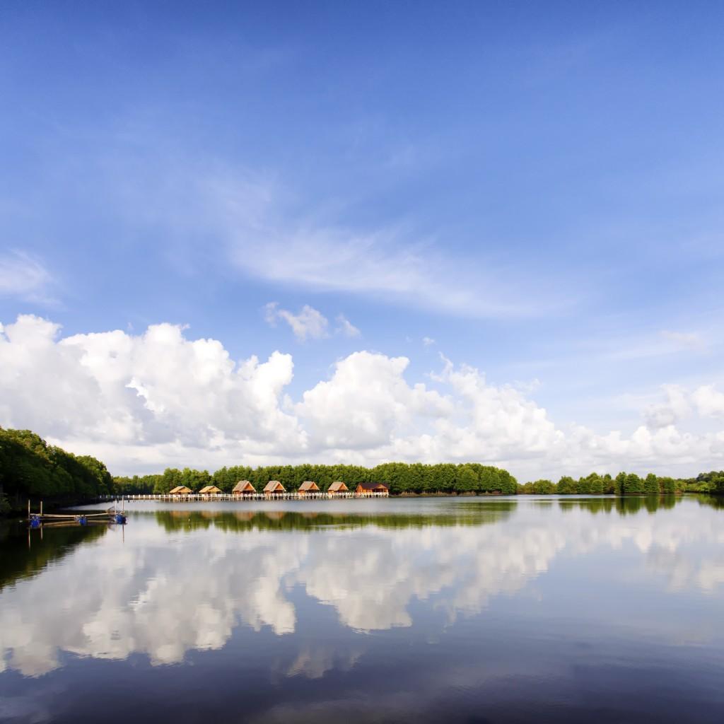 bungalow near lake