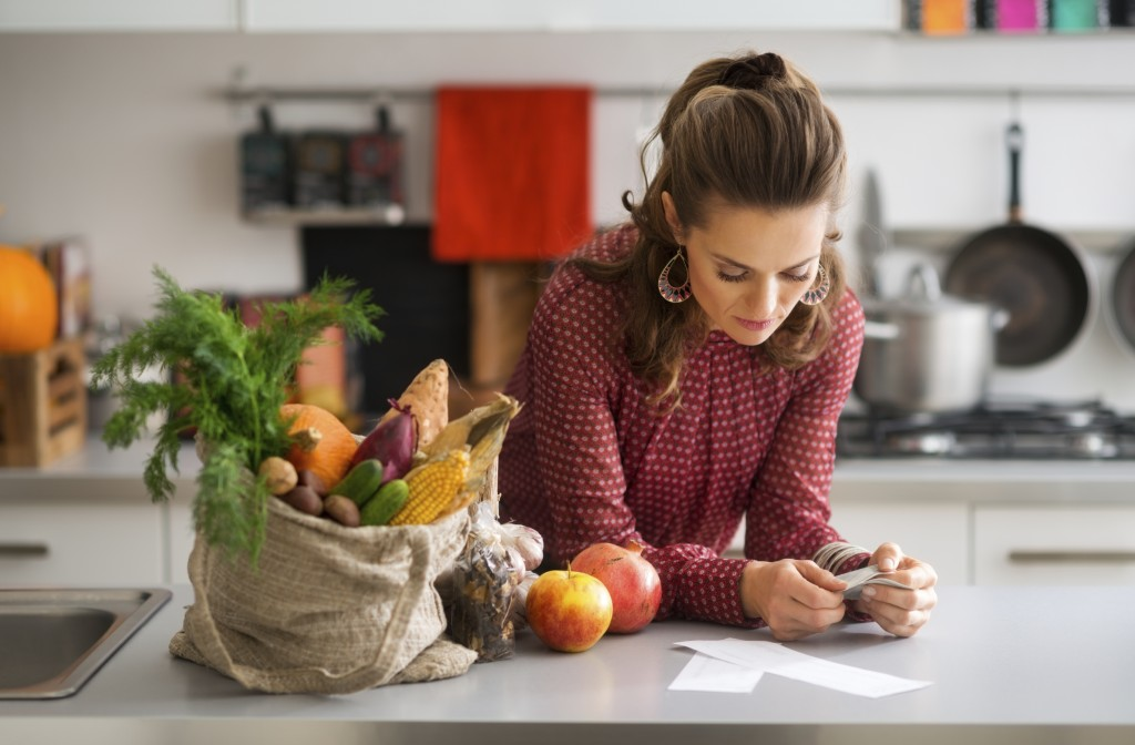 woman-in-kitchen-thanksgiving-istock_000072503089_large