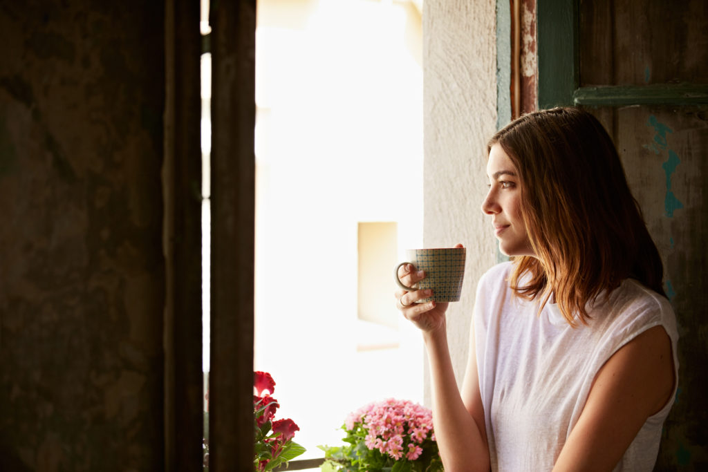 woman-with-coffee-cup